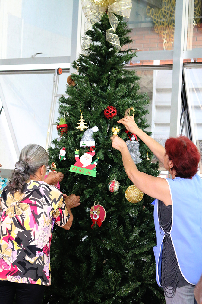 montagem arvore de natal hospital do cancer uberlandia 22
