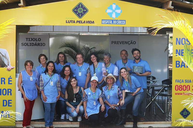 Hospital do Câncer recebe apoio do público e cantores no Camaru 2016